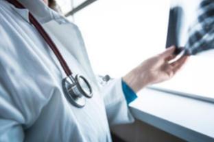 確認氣溶膠傳播,增加兩種有效藥物!衛健委解讀新版診療方案